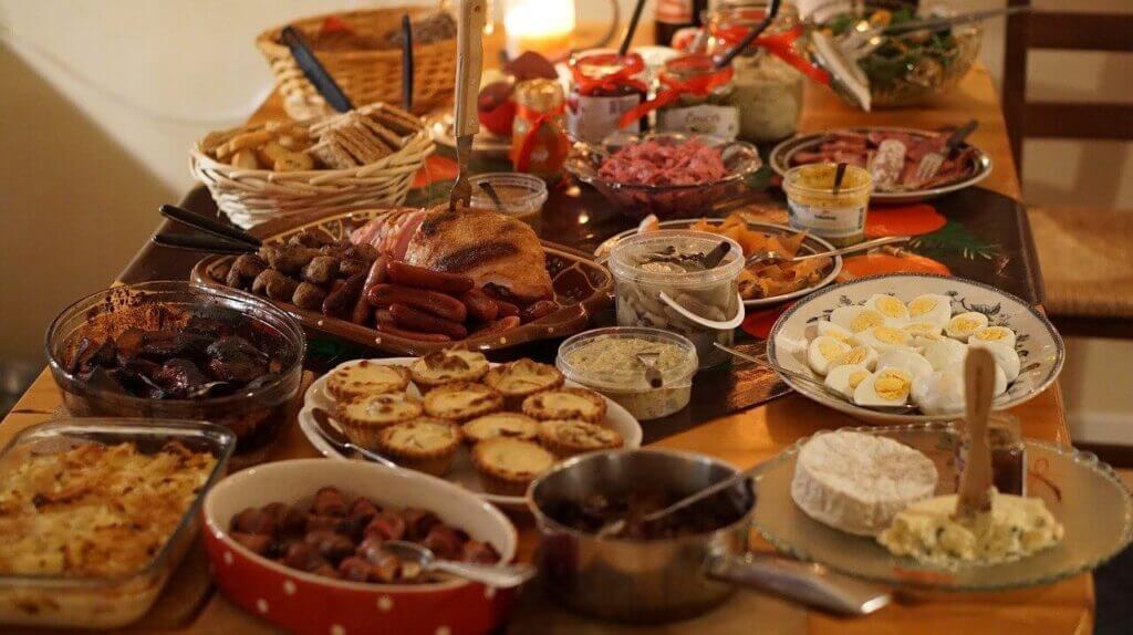 Vad är ett julbord utan kryddat brännvin? Inget julbord i alla fall!